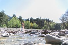 BOHO Styled Shoot Carinthia/Austria Elopement by the river Photo: Tanja und Josef Fotografie – Film Santorini, Carinthia, Boho Wedding, Austria, Boho Fashion, River, Mountains, Film, Nature