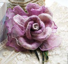 Купить Авторская брошь роза Нежно сиреневая - сиреневый, брошь, брошь ручной работы