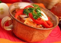 Lečo s klobásou a vejci recept - Labužník.cz Thai Red Curry, Ethnic Recipes, Food, Essen, Meals, Yemek, Eten