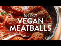 Tender, flavorful, vegan meatballs made with quinoa and black beans! Infused with fresh herbs, tomato paste, and spices for big flavor. Baker Recipes, Cooking Recipes, Whole Food Recipes, Dinner Recipes, Dinner Ideas, Meatless Meatballs, Healthy Meatballs, Vegetarian Recipes, Healthy Recipes