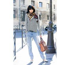 Street Looks à la Fashion Week printemps-été 2015 de New York, Londres, Milan et Paris http://www.vogue.fr/mode/street-looks/diaporama/street-looks-rayures-a-la-fashion-week-printemps-ete-2015-de-new-york-londres-milan-et-paris/20664/image/1104801#!3