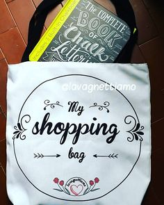 Finally here!!!!!!!! Thanks to @valeriemckeehan ! It'so precious to me!!! #lilyandval #completebookofchalklettering  #love #chalkboard #chalkboardart #art #roma #rome #madeinrome #madeinitaly #italy #italianstyle #italygram #italyiloveyou #etsy #lavagnetta #lavagna #lavagnettepersonalizzate #lavagnettiamo