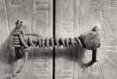 Intact seal of the tomb of Tutankhamun after 3 thousand 245 years (1922)