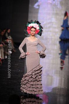 Fotografías Moda Flamenca - Simof 2014 - Rocio Peralta 'Despertares, ritmo y sabor' Simof 2014 - Foto 17
