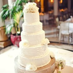 LOVE the simplicity but definitely not big enough. and MUST be buttercream frosting!