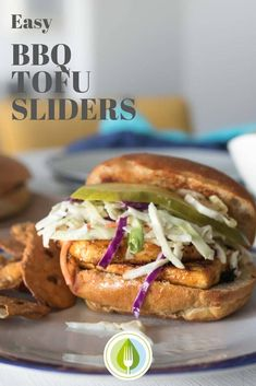 Easy BBQ Tofu Sliders - this meal cooks in minutes! This is an easy way to introduce tofu to the family. Kids love this Easy Vegetarian Dinner, Vegetarian Barbecue, Best Vegetarian Recipes, Tofu Recipes, Grilling Recipes, Lunch Recipes, Vegetarian Dish, Burger Recipes, Healthy Recipes