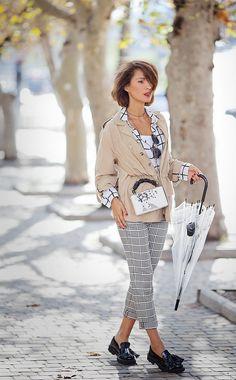 parka coat outfit, umbrella outfits, mix of prints,