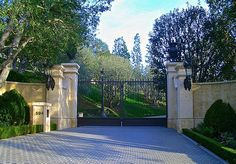 """Do you recognize these entry gates? One of the most expensive homes ever sold in LA & previously owned by """"television royalty"""" now owned by an English heiress."""