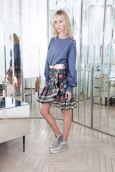 See the complete Alexis Mabille Pre-Fall 2016 collection.