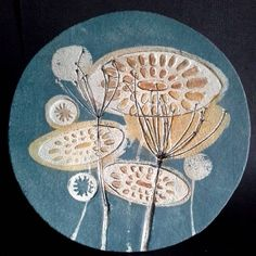 Rather pleased with this little one that's on it's way to the Sarah Wiseman Gallery, Oxford #platter #plate #sarahwiseman #gallery #oxford #impressed #flowers