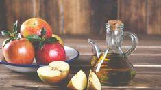 Už za dob Hippokrata byli pacienti léčeni jablečným octem, tak proč tuto lahodnou tekutinu nevyužít i nyní. Foot Remedies, Health Remedies, Natural Remedies, Apple Cider Vinegar Uses, Apple Cider Vinegar Remedies, Home Remedies For Herpes, Cold And Cough Remedies, Drinking Vinegar, Women's Handbags