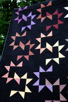 Remarkable photo - go and visit our short post for lots more inspiring ideas! Remarkable photo - go and visit our short post for lots more inspiring ideas! Star Quilt Blocks, Star Quilts, Scrappy Quilts, Easy Quilts, Sampler Quilts, Amish Quilt Patterns, Modern Quilt Patterns, Amish Quilts, Half Square Triangle Quilts