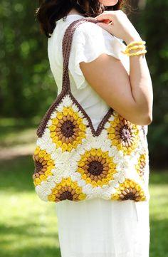 Transcendent Crochet a Solid Granny Square Ideas. Inconceivable Crochet a Solid Granny Square Ideas. Crochet Purse Patterns, Crochet Tote, Crochet Handbags, Crochet Purses, Knit Crochet, Crochet Granny, Crochet Sunflower, Crochet Flowers, Unique Crochet