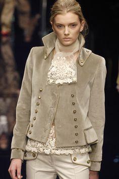 237 photos of Dolce & Gabbana at Milan Fashion Week Fall 2006.