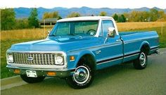 1972 Chevy ton - 350 automatic - I wanticles this truckticles classic-auto Chevy Pickup Trucks, Classic Chevy Trucks, Gm Trucks, Chevrolet Trucks, Cool Trucks, Classic Cars, Classic Auto, 1957 Chevrolet, Diesel Trucks