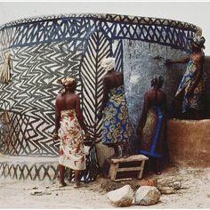 R O A D  L E S S  T R A V E L L E D // bright & beautiful Africa #travel #patterns #african #wanderlust #inspo #alidaandmiller