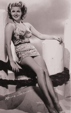 25 years old.Lover of old hollywood and anything vintage. Golden Age Of Hollywood, Vintage Hollywood, Hollywood Glamour, Classic Hollywood, Anne Baxter, Lana Turner, Girl Next Door Look, Hollywood Couples, Movies