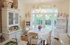 Shabby cottage kitchen