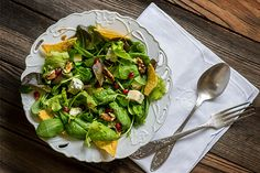 Spinach salad with dried cranberries