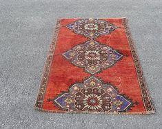 Vintage Turkish Carpets and Vintage Turkish Kilim by SILKROADRUGS Bohemian Rug, Turkish Carpets, Aztec Rug, Rugs, Vintage, Home Decor, Design, Farmhouse Rugs, Decoration Home