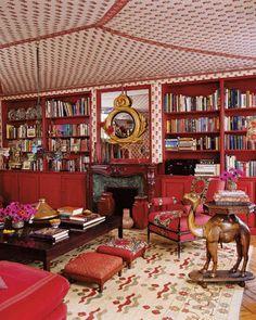 Textile designer Lisa Fine's tented room, in Paris. Photos - ELLE DECOR