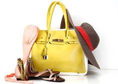 Yellow Banane Taipei Tote Bag