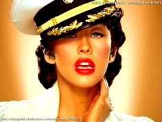 Christina_Aguilera-Candyman_31