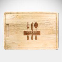 Kochen ist, selbstverständlich, eine Kunst. Unverzichtbar für jeden Künstler ist ein gutes Werkzeug. Unser Chefkoch - Schneidebrett mit persönlicher Gravur - Motiv Kochstudio ist da die perfekte Grundlage.