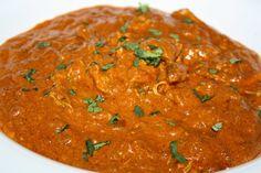Wij aten voorheen bijna wekelijks wel Indiaas. En eigenlijk altijd gebruikten we daar een of ander potje voor. Vaak Tikka Masala, maar ook wel eens Korma of Rogan Josh. Helaas zit er in al die kant…