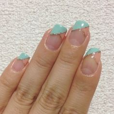 French : pink × turquoise