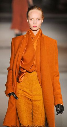 Paris Fashion Week Fall 2014 Haider Ackerman orange total look modest style Orange Is The New Black, Orange Outfits, Orange Clothes, Fashion Moda, High Fashion, Fashion Trends, Paris Fashion, Fashion Details, Fashion Fashion