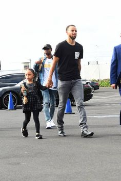 Stephen Curry of the Golden State Warriors arrives before the game against the New Orleans Pelicans in Game One of Round Two of the 2018 NBA Playoffs. Basketball Shorts Girls, High Top Basketball Shoes, Basketball Socks, Basketball Hoop, Stephen Curry Family, The Curry Family, Curry Memes, Stephen Curry Wallpaper, Stephen Curry Basketball