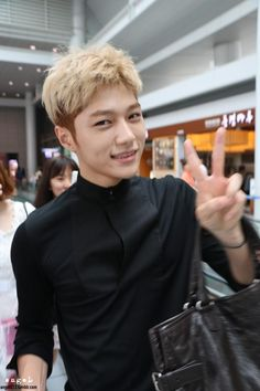 This is a picture of L from the Kpop boy band Infinite. Infinite Members, L Infinite, Asian Actors, Korean Actors, Korean Model, Korean Singer, Hyun Soo, Kim Myungsoo, Blonde Asian