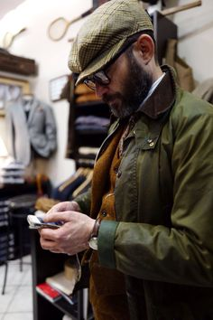 barbourpeople: ottomarchesi: @photosantucci Barbour waxed cotton and tweed - the ultimate country style inspiration from @ottomarchesi