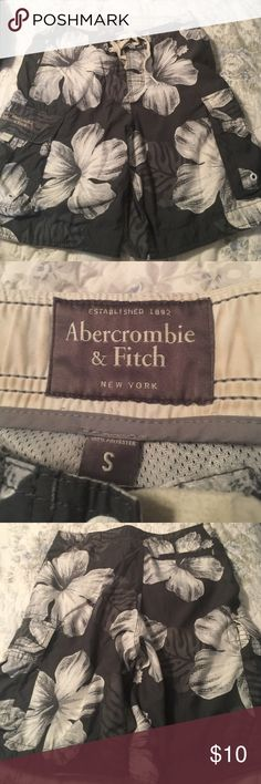Floral board shorts Floral swim board shorts, Abercrombie and fitch, size small. GUC. Slight pilling on drawstring, not noticeable when wearing. Abercrombie & Fitch Swim Board Shorts