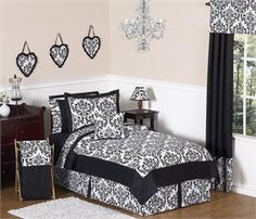 Isabella Black and White Bedding Set