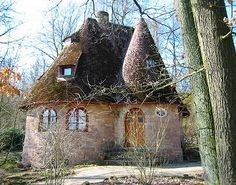 Cottage Of The Sage - from Piccsy Mobile. This house looks like it's straight out of a fairytale! Storybook Homes, Storybook Cottage, Stone Cottages, Cabins And Cottages, Country Cottages, Country Houses, Cute Cottage, Cottage Style, Fairytale Cottage