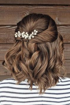36 Chic And Easy Wedding Guest Hairstyles ? wedding guest hairstyles half up half down on short rown hair with pearls bridal_hairstylist Easy Wedding Guest Hairstyles, Wedding Hair Half, Bridesmaid Hair Half Up Short, Wedding Bride, Gown Wedding, Wedding Cakes, Wedding Rings, Wedding Dresses, Half Up Half Down Short Hair