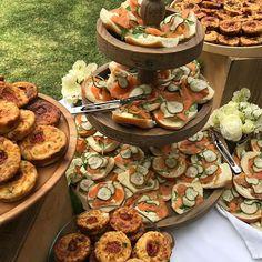 Enjoy these beautiful autumn days we are having with a brunch. #grazingtable #brunch #entertainingwithfigmint #figmintcatering #entertainingathome #celebrations #sydneycaterer