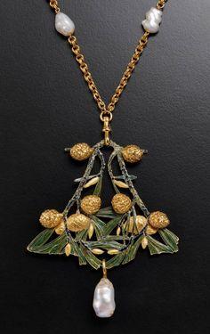 Rene Lalique Automne Enamel Pearl Gold Pendant. Pendant « Autumn » Yellow gold, enamel and pearl Paris, circa 1900