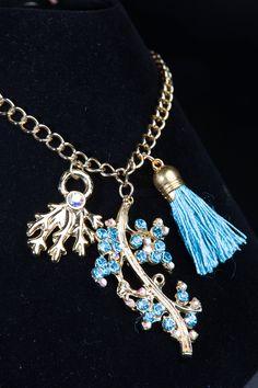 #necklace #accessories #collares #design #style #diseñovenezolano #fashion #moda #Crystal #blue #love #cute