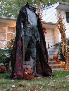 Love to,have this headless horseman figure for my place.made froma male mannequin with head cut off