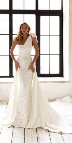 Wedding Dress Trends, Elegant Wedding Dress, Dream Wedding Dresses, Wedding Gowns, Mermaid Wedding Dresses, Straight Wedding Dresses, Long Sleeve Bridal Dresses, Wedding Bells, Minimalist Wedding Dresses