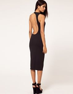 I have GOT tighten up my back!  This dress is GORGE!!!!   SO SEXY!!!