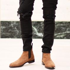 Chelsea Boots Chelsea Boots Outfit, Chelsea Boots Style, Suede Ankle Boots, Shoe Boots, Men's Shoes, Gentleman Shoes, Gentleman Style, Botas Chelsea, Mens Casual Jeans
