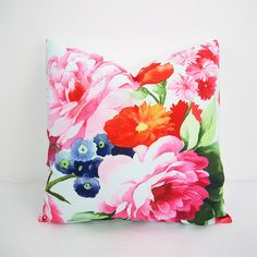 18x18 Floral pillow Red pink floral pillow Throw by HomeDecorYi