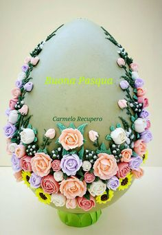 Buonapasqua#happyeaster#royalicing#ghiacciareale#fioridighiaccia#icesflowers#uovodecorato#decoratedegg#