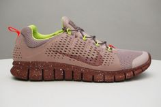 "Nike Free Powerlines+ II – ""Diffused Taupe"""