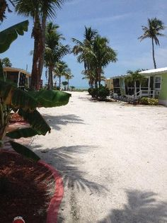Vintage Beach View Cottages - Sanibel Island. I want to visit this island and search for sea shell