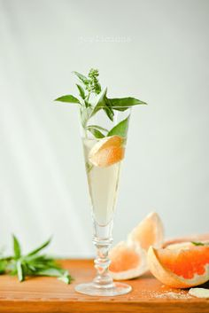 ginger basil grapefruit spritzer, ginger, basil, grapefruit, cocktail, drink, spritzer, bar